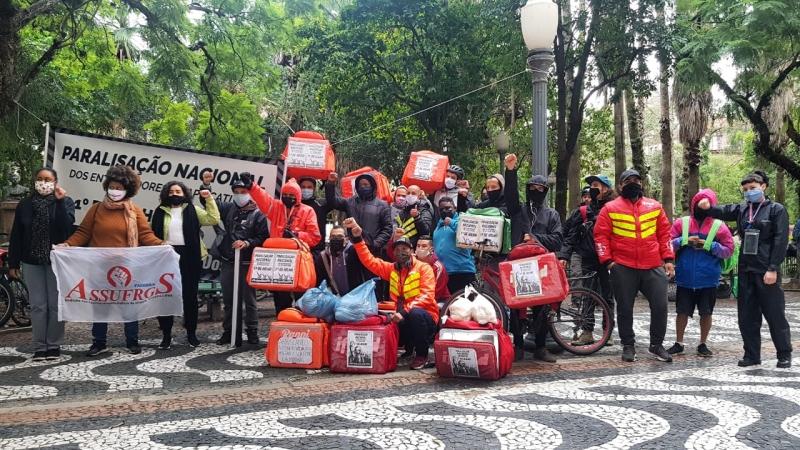 Trabalhadores de apps de transporte e de entregas aderiram à paralisação nacional