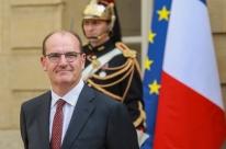 Macron inicia reformulação do governo com troca de premiê