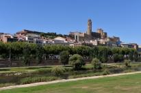 Espanha volta a confinar mais de 250 mil pessoas