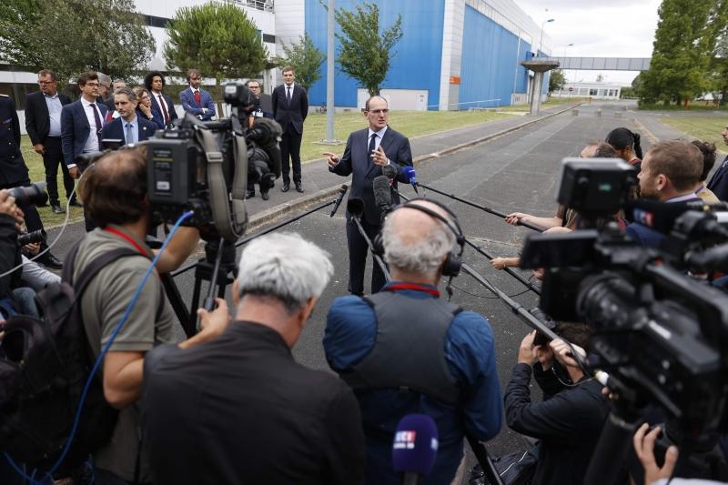 Castex fez o anúncio durante visita a uma fábrica de semicondutores perto de Paris