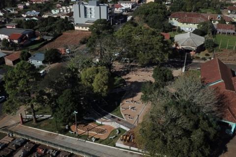 Praça histórica de Teutônia é reinaugurada após reforma