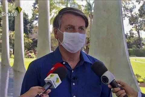 Bolsonaro testa positivo novamente para Covid-19, afirma Secom