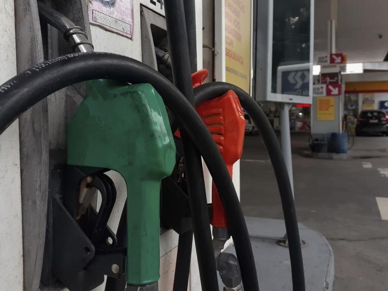 O aumento no preço da gasolina reflete a retomada das atividades econômicas após a crise causada pela pandemia