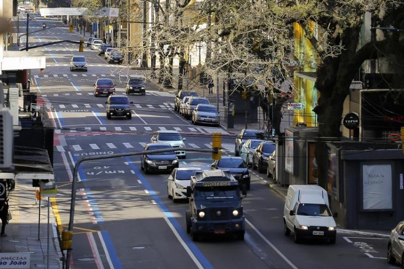 Trecho terá circulação restrita a ônibus, táxis e lotações de segunda a sexta-feira