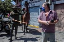 Grupos armados na Colômbia matam civis para reforçar respeito a regras contra o coronavírus