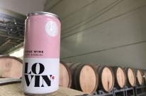 Startup de vinhos lança produto em lata no Brasil