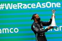 Hamilton vence GP da Hungria e assume liderança na F-1