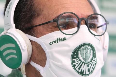 Palmeiras demite Vanderlei Luxemburgo após derrota para Coritiba