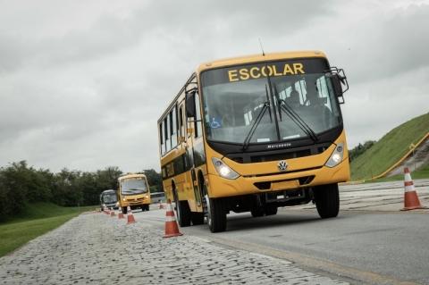 Volkswagen entrega grande lote de ônibus ao programa Caminho da Escola