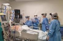 Clínicas suspende cirurgias e já tem 6 de cada 10 doentes em UTI ligados à Covid-19