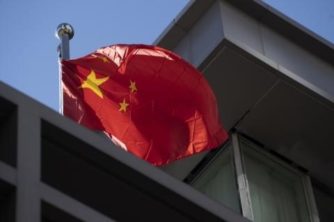 Preocupação com tensão EUA-China faz Ibovespa oscilar