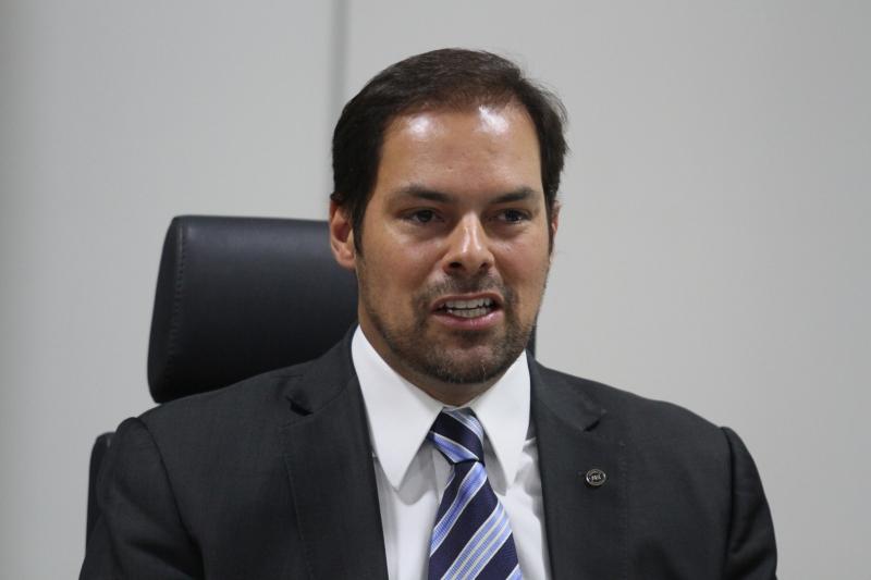 Brasil precisa rever atuação frente ao empreendedor, afirma Uebel