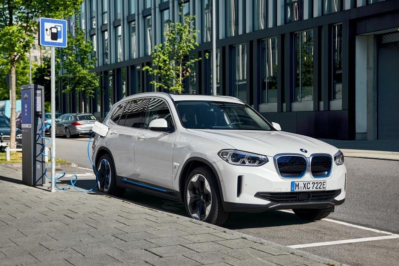 Dez minutos de carga podem fornecer energia para até 100 quilômetros adicionais de autonomia ao carro