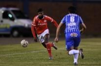 Inter empata com Esportivo e adia classificação no Gauchão