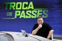 Jornalista Rodrigo Rodrigues morre aos 45 anos por complicações da Covid-19