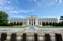 Para Fed, salto recente na Covid preocupa, mas vacina reduz riscos para 2021