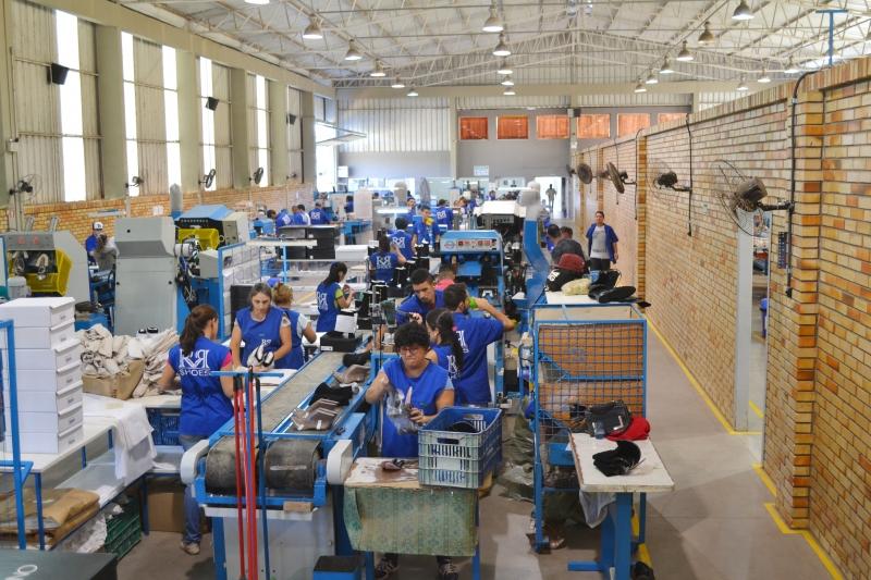 Vagas abertas são para setores de costura e montagem na fábrica de Santo Antônio da Patrulha