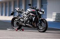 Triumph lança roadster com visual agressivo