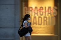Sob novos surtos de coronavírus, Europa reduz lista de países com entrada liberada