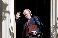 Johnson diz querer acordo com a UE e lamenta falta de progressos no Brexit