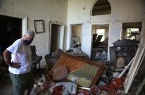 Explosão destruiu quase metade de Beirute e deixou 300 mil desabrigados