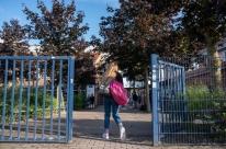 Estabelecimentos de ensino e alunos terão de obedecer regras para retorno presencial
