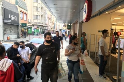 Apesar da crise causada pela pandemia, inadimplência registra queda no País