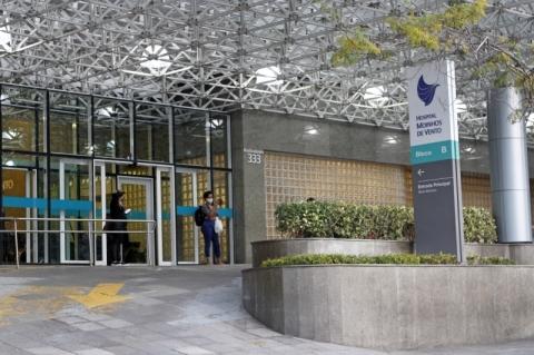Hospital Moinhos de Vento restringe atendimentos por Covid-19 para conter lotação