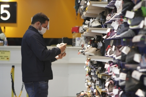 Intenção de Consumo das famílias no RS tem queda em outubro