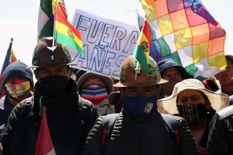 Em meio a crises na saúde e na política, Bolívia estabelece data limite para eleições presidenciais