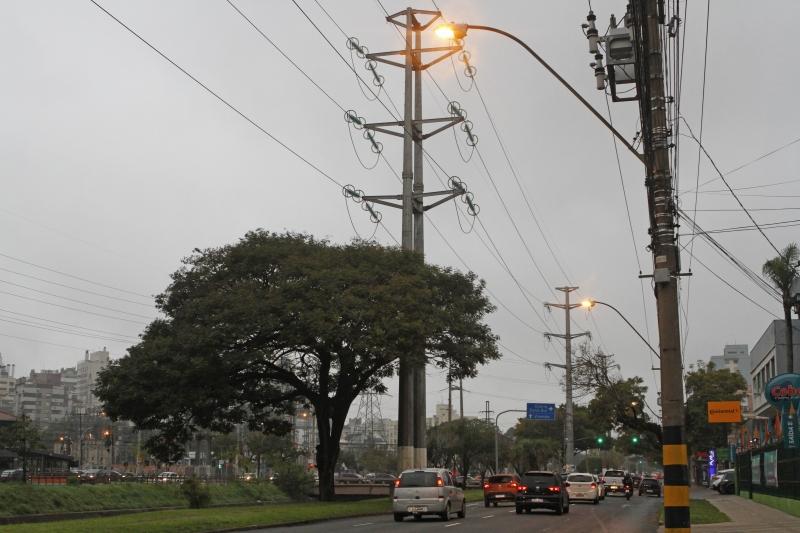 Avenidas Ipiranga (foto), Assis Brasil, Bento Gonçalves e Nonoai-Cavalhada terão nova iluminação