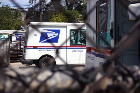 Oposição acusa Trump de suprimir voto pelo correio
