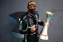Hamilton vence com sobra GP da Espanha e quebra mais um recorde na F1