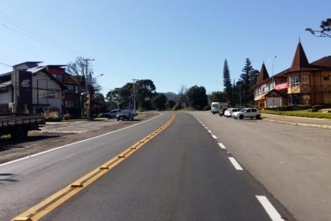 Rodovia que liga Nova Petrópolis a Canela recebe obras de recuperação