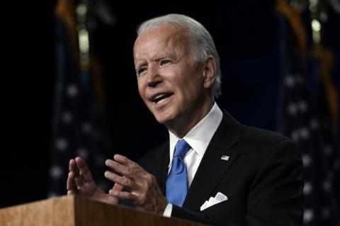 Trump 'escolheu um caminho de escuridão', diz Biden em discurso
