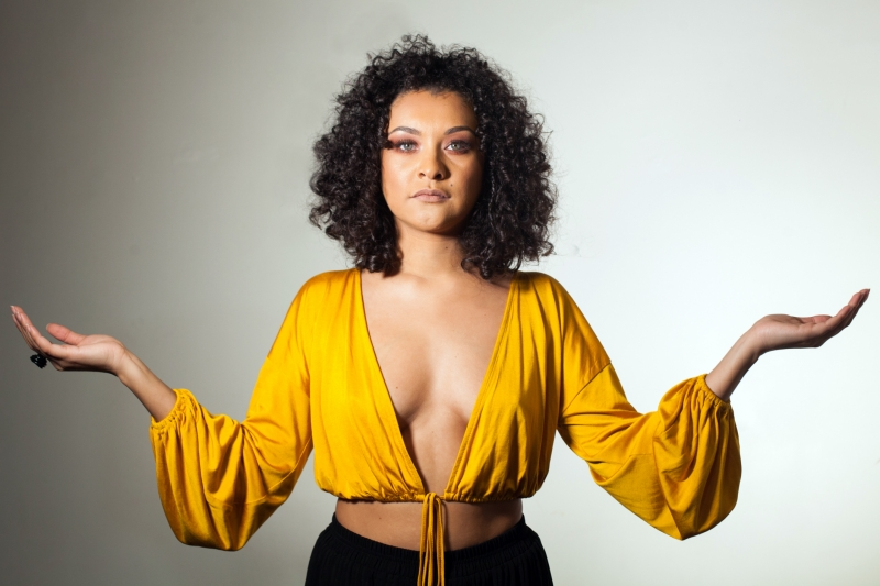 Em trajetória ascendente no Estado, cantora projeta para outubro o lançamento de seu primeiro CD