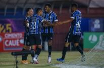 Grêmio vence o Caxias e encaminha o tricampeonato
