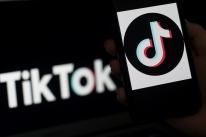 Presidente do TikTok deixa o cargo em meio a disputa entre EUA e China