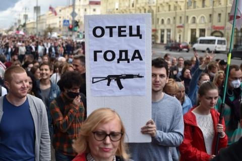 Tropas do governo bielorrusso detêm 29 jornalistas que cobriam protestos