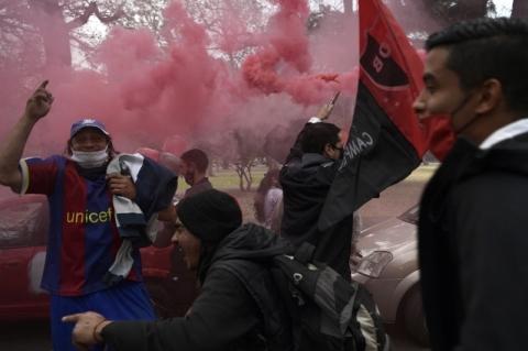 Torcedores do Newell's Old Boys fazem carreata pedindo a volta de Messi