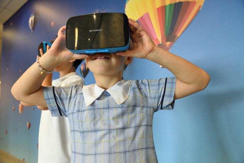 Tecnologias educacionais oferecem novas maneiras de aprender, mas estão disponíveis para poucos