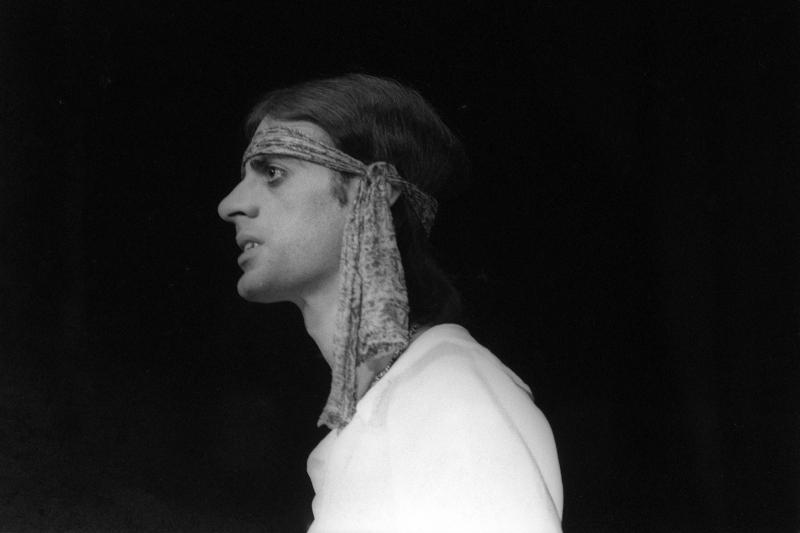 Artista gaúcho teve uma trajetória que foi além da literatura, como participação no teatro