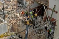 Um mês após explosões no Líbano, equipes continuam buscando sobreviventes