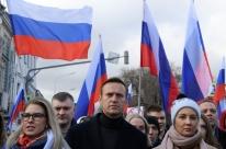 Opositor russo envenenado em aeroporto sai do coma na Alemanha