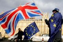 Bolsas da Europa recuam com tensão por Covid-19, em dia crucial para Brexit