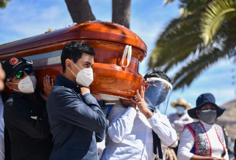Peru é, hoje, o país com mais mortos devido à Covid-19 por 100 mil habitantes no mundo