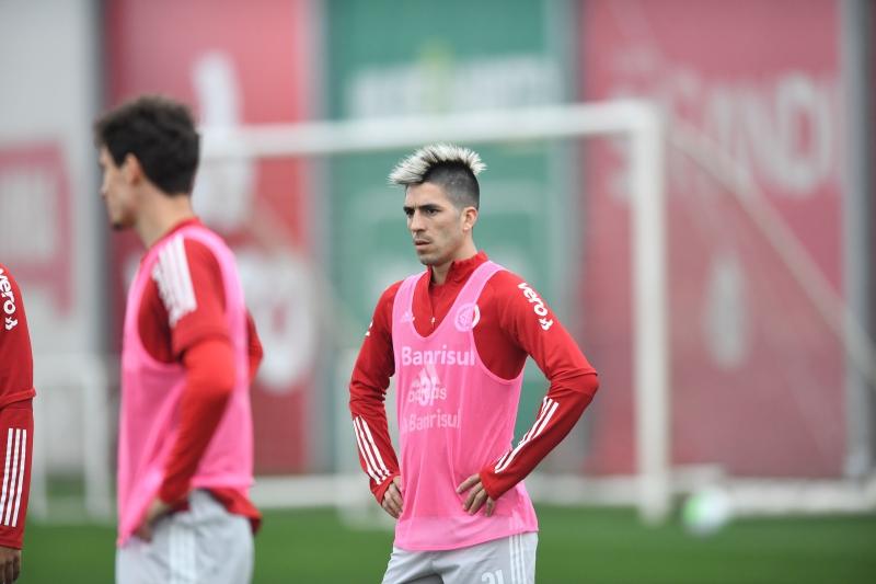 Leandro Fernández está regularizado e pode entrar ao longo do jogo