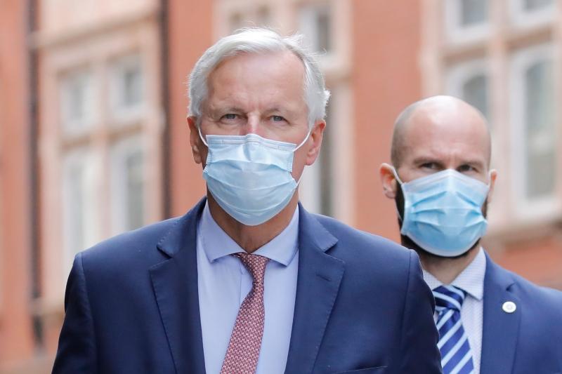 """Michel Barnier (e) afirmou que o Reino Unido não tem se engajado """"de forma recíproca"""" nas discussões com a UE por um acordo comercial"""