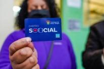Porto Alegre: menos da metade das famílias retiraram cartão de auxílio na pandemia