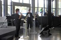 Prefeitura de Porto Alegre libera eventos com participantes em pé e autoriza reabertura de circos